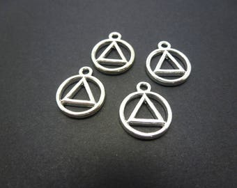 4 geometric round charms with triangle 18 * 14mm clear (USBA04)