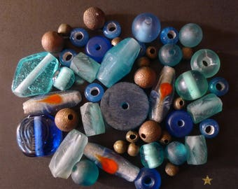 46 Indonesian glass, resin, metal in various shapes beads