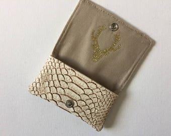 Card holder beige faux leather Croc, inside flap deer head effect