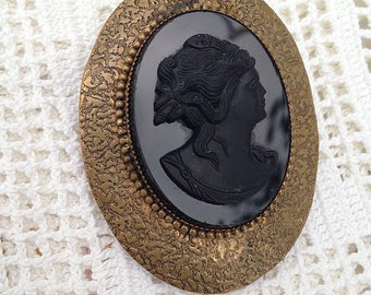 1930s Victorian Revival Black Glass Cameo Brooch