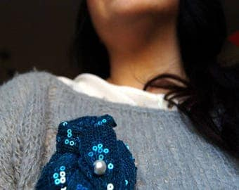 pin the SEQUIN blue with Pearl