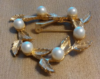 Vintage DuBarry Fifth Avenue (DFA) Leaves and Pearls Brooch/Pin