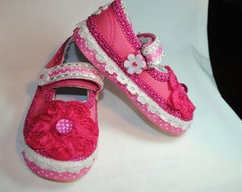 Pinky Girl's Shoes Size 7 (2 years)