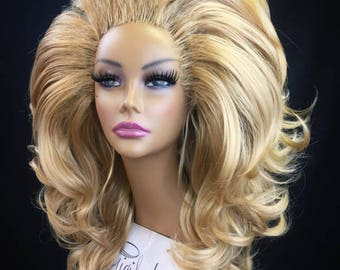 BUXOM - Large Styled Wig for Drag Queens, Theater, Burlesque in Golden Honey Blonde Mix