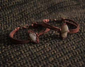 Bracelets with hard stones and regenerated leather