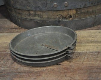Set of 3 Steel Pie or Cake Plates with Slider Bar