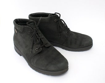 EU 40 - Black vintage shoes - womens size UK 6,5 / USA 9 - 1990s ankle boots for women - 90s lace up shoes - black leather shoes winter
