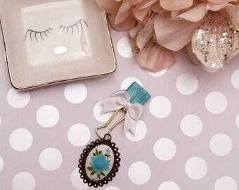 Vintage Blue Flower; pen clip, pen loop