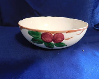 "VINTAGE Franciscan California USA Apple Veggie / Pasta Serving Bowl 10"" 1960's"