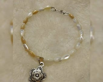 Mother of Pearl Wire Bracelet