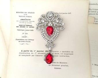 RED Rhinestone Brooch.Red Crystal Brooch.Victorian Style.Vintage Style.Bridal Brooch.Rhinestone Pin.Dangle.Teardrop.Wedding Accessory