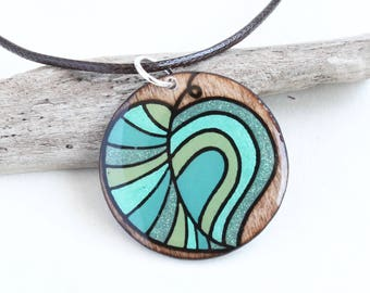 Wood Circle Leaf Pendant Necklace, Wood Burned & Epoxy Resin Artisan Jewelry for Women, Comfortable Lightweight Simple Casual Necklace