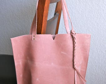 Leather Tote Bag in Blush