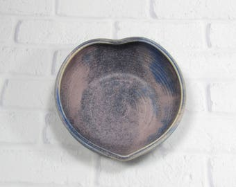 Heart bowl - Pottery heart shaped bowl - Ceramic heart serving dish - heart dip bowl - heart candy dish - trinket bowl - jewelry bowl