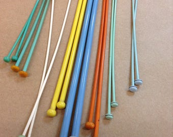 Vintage Plastic 8 Pairs of knitting needles Button Top assorted Colours