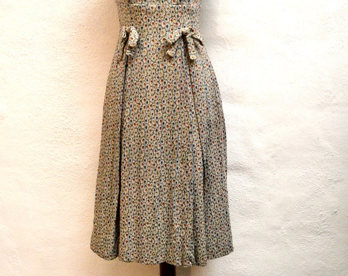 Incredible JACQUARD Metallic Floral 1950's DRESS with BOWS