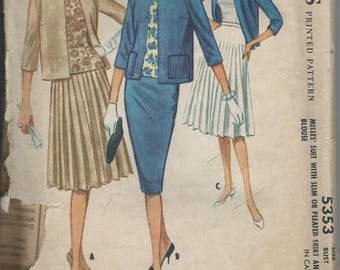 1960 VINTAGE McCALL'S PATTERN Misses Suit with Slim or Pleated Skirt and Blouse. 5355 Size 14. Bust 34.