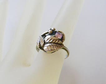 Vintage Retro Sterling Silver Pink Stone Bezeled Leaves Ring Size 6