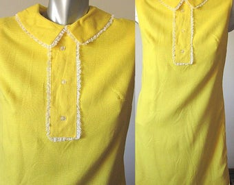 Vintage 60s Mod Yellow Sleeveless Mini Dress with Collar White Lace Trim Size M/L