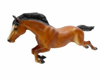 Vintage Breyer Horse / Model Horse / Traditional Jumper (No Fence) / #300 1965-1988 / Mahogany Bay Black Tail Mane / Made in USA