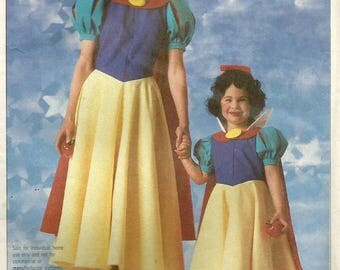 Vintage 80s Simplicity 7735 Girls Snow White Official Disney Costume Sewing Pattern Size 6