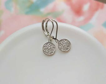 Silver Dangle Earrings, Everyday Jewelry, Sterling Silver Leverbacks Lever Leverback, Simple Silver Earring, Round Disc Floral Unique