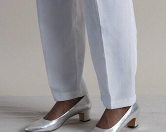 Vintage 60s Silver Metallic Block Heels / Low Heel Shoes / 6.5
