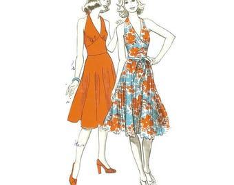 1970s Halterneck Sun Dress Pattern Ullstein 8279 B32 - B37