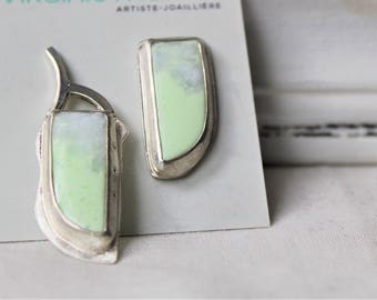 Sterling silver Earrings with Lemon Chrysoprase cabochons - Pair of asymmetrical earrings 925 Gemstones