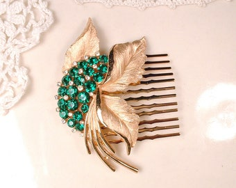 OOAK Emerald Green Rhinestone Bridal Hair Comb,Emerald Crystal Vintage Wedding Headpiece,Gold Brooch Emerald Hairpiece Green Jewelry TRIFARI
