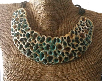 Down to earth Statement / Bib necklace