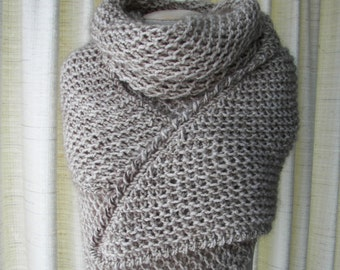 Hand Knit SOFT WARM Large Shawl Triangle Scarf in BIEGE Mohair Wool /  Neutral Color Wrap / Bridal Shawl / Feminine Gift / Ready to ship
