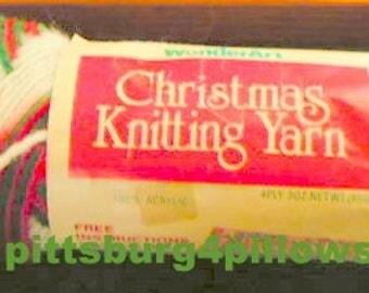 New Listing - Wonderart - Christmas Knitting Yarn - 3 Ozs - 4 ply - 100% Acrylic - 0935 Christmas Ombre -