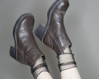 90s Brown leather platform boots size 8