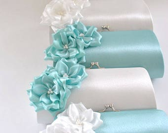 Set of 8- Medium Bridesmaid clutches / Wedding clutches - Custom Color
