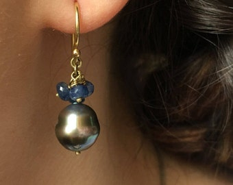 Earrings, 18k Gold, Sapphire, Tahiti Pearls, drop earring