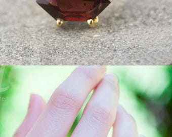 Garnet Ring Gold, January Birthstone Ring, Stackable Birthstone Ring, Marquise Prong Set Ring, Statement Ring, Gift for Her, Unique Ring