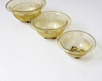 Depression glass bowl set/3, rolled edge ribbed yellow glass kitchen bowls