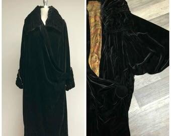 Antique 1920s Coat • Ophelia • Black Velvet Gold Lame Lining 20s Opera Coat Size Small Medium