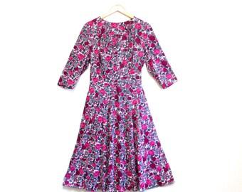 Vintage 1950s Dress   Rose Print Rhinestone Brooch 1950s Party Dress   size large - xl