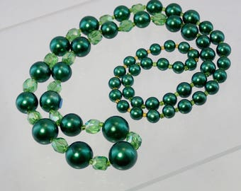"""FREE Shipping Vintage Forest and Grass Green Faux Pearl and Austrian Crystal Glass Beaded Necklace 32"""" flapper Style Graduated 50s Beads"""