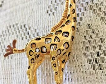 Bob Mackie Tall Safari Giraffe Pin - Gold Plated = S2134