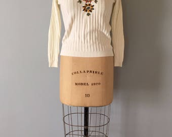 embroidered flower pullover | 1970s cream white ribbed pullover sweater