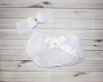 WHITE BABY BLOOMER Set-Ruffled diaper cover-Boutique Style-Diaper Cover Set-Newborn Photos-Baby Bloomer-Shabby Chic-Photo Prop-new baby gift