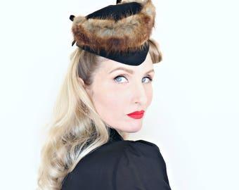Vintage 1940s Hat / Tilt Hat / Fur Trim / Black Felt / Scottie style hat / WWII Style