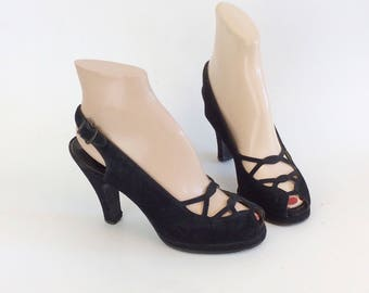 50s Black Suede Cross Over Peep Toe Heels / 1950s Vintage Black Cut Out Slingback Pumps / Size 5.5 - 6