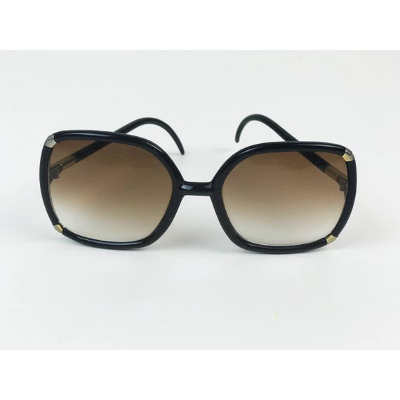 60's Black Oversized Mod Sunglasses, Vintage Sunglasses Large Black Round with Gold Temple Detail - Womens Retro Black & Gold Sunglasses