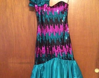 Vintage Women's Dave & Johnny Ruffle One Shoulder Sequin Pink Green Black Dress 11-12