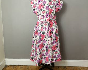 50s style spring dress / white cotton dress ultra violet and pink flowers / batwing cotton vintage dress / 80s does 50s / spring florals