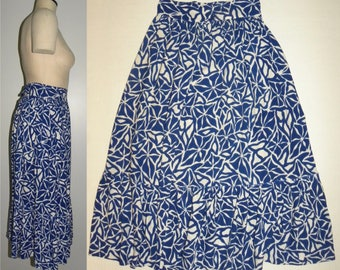 """1940's Midi Skirt / Blue White Print Tiered Hem  / W 25"""" XS Small"""